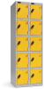 Omklædningsskabe med 5 låger. Omklædningsskabe dimension: bredde = 305mm, dybde = 380mm, højde = 1780mm. 2 sammenbyggede omklædningsskabe . Total bredde =  610 mm