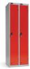 Omklædningsskabe med 1 låge. Omklædningsskabe dimension: bredde = 305mm, dybde = 380mm, højde = 1780mm. 2 sammenbyggede omklædningsskabe . Total bredde =  610 mm